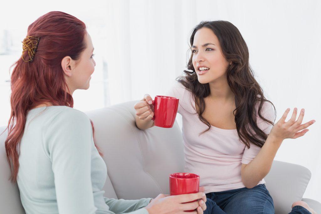 Cởi mở khi giao tiếp bí quyết dẫn dắt cuộc nói chuyện