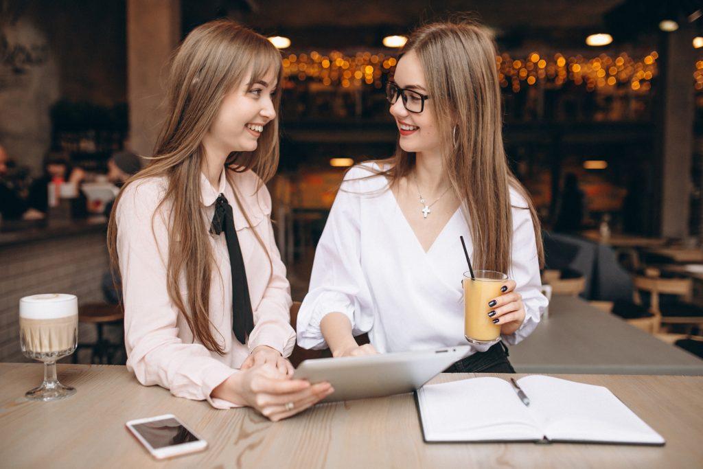 sự quan trọng của nụ cười trong giao tiếp