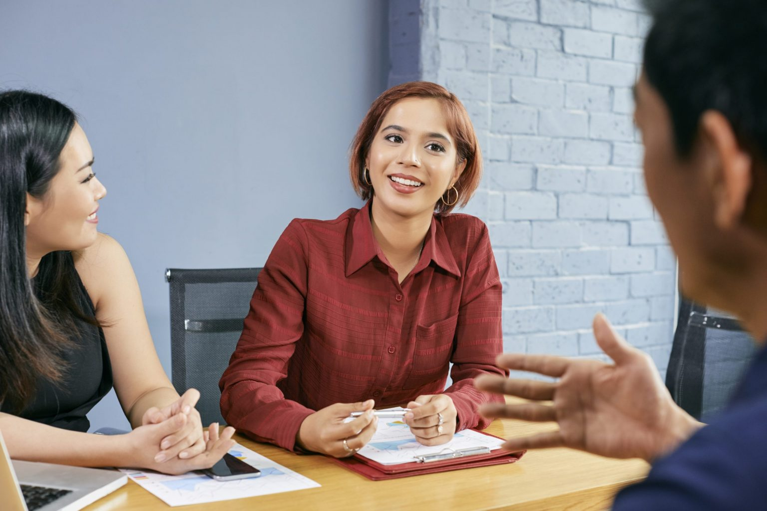 Kĩ năng giao tiếp kinh doanh lịch sự