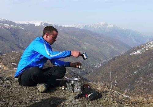cơm nấu trên núi cao dù nấu lâu cũng không chín