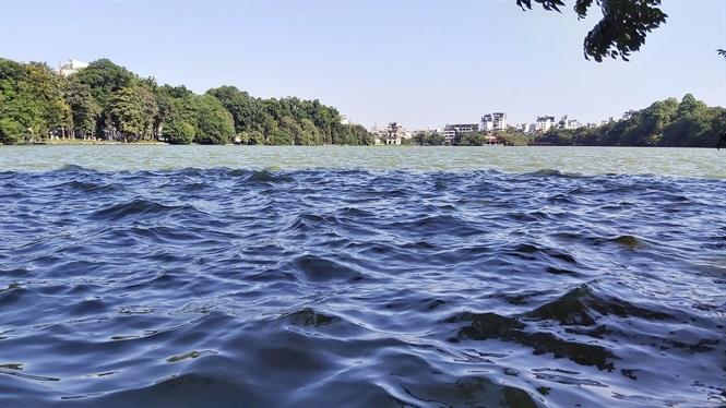 sóng nước hồ tây
