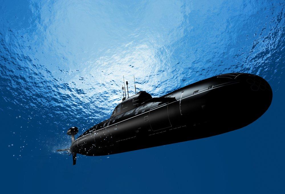 tàu ngầm lặn sâu dưới nước biển
