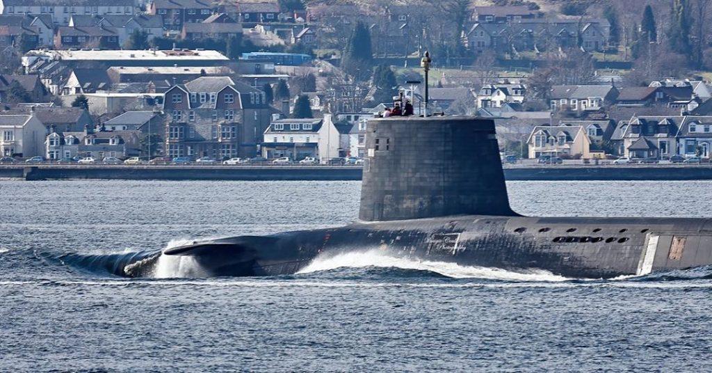 tàu ngầm lặn sâu