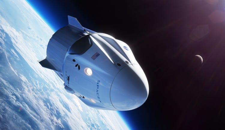 tàu vũ trụ quay trở về trái đất