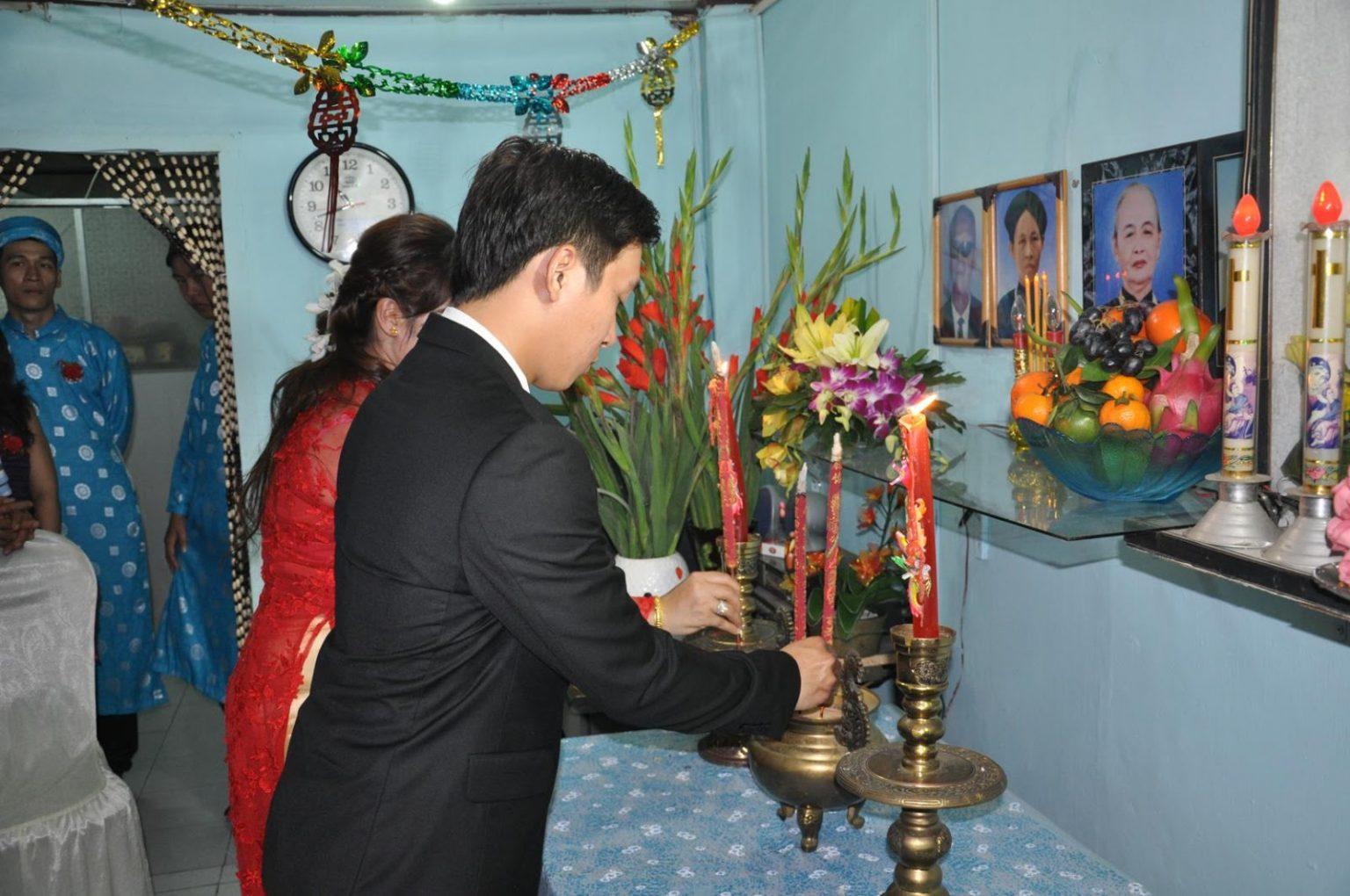 thờ kính tổ tiên là phong tục tốt đẹp của người dân Việt nam